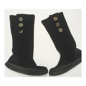 Women's Classic Cardy Uggs Size 9